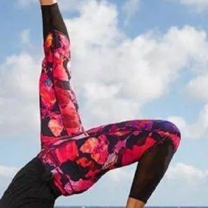 Athleta Mystique Chaturanga Mesh Capri Leggings Sm